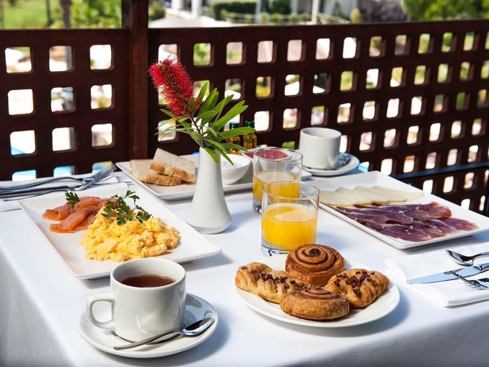 In-room dining at Precise Resort El Rompido