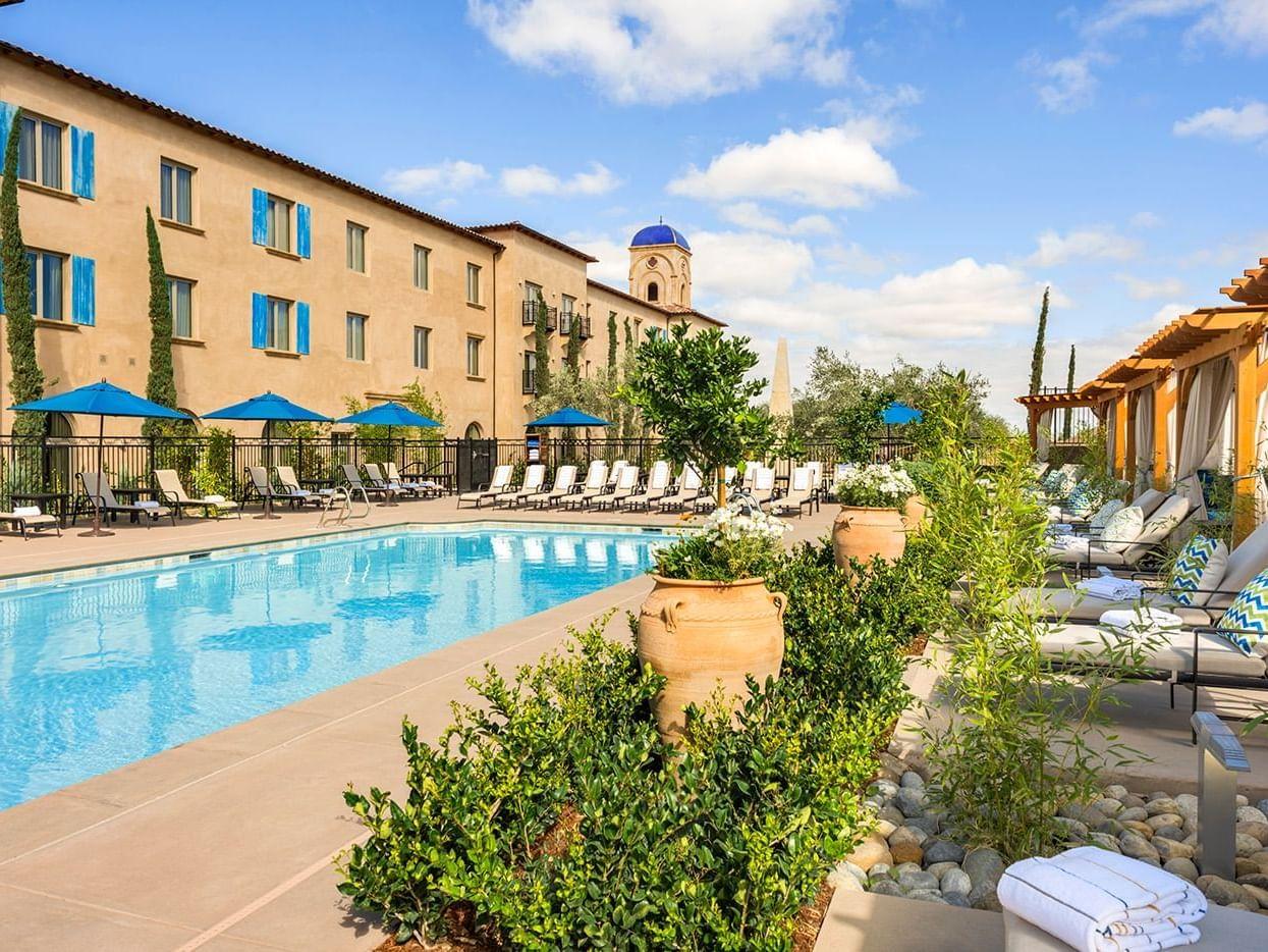 Pool, cabana and exterior of Allegretto Vineyard Resort