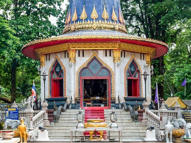 Exterior view of King Taksin Shrine near Chatrium Golf Resort Soi Dao Chanthaburi