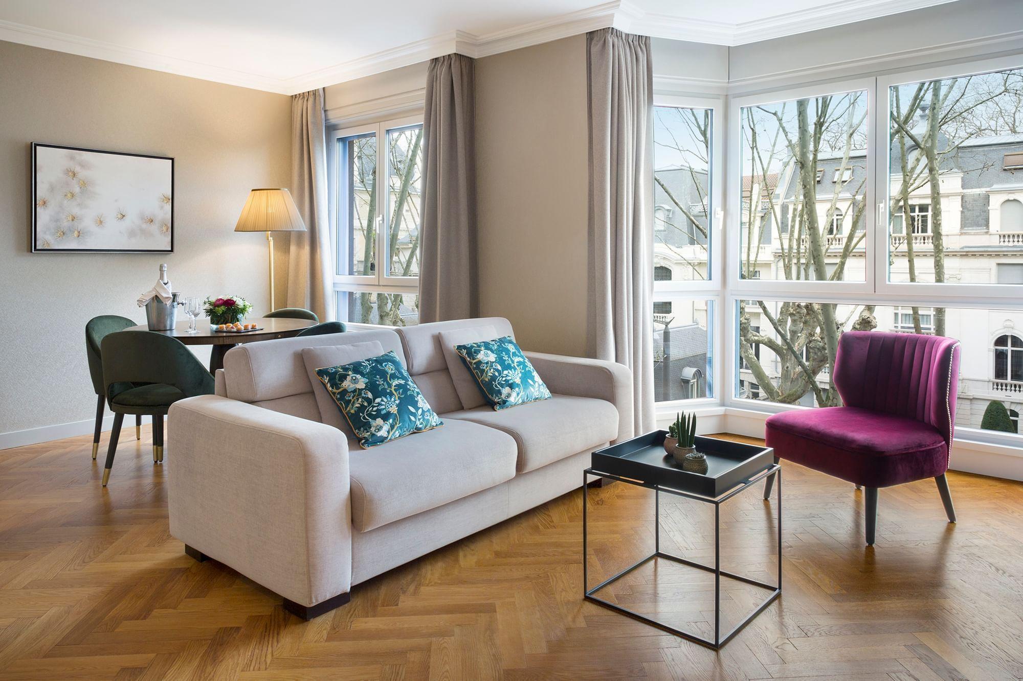 Premium Suite Warwick Reine Astrid Lyon