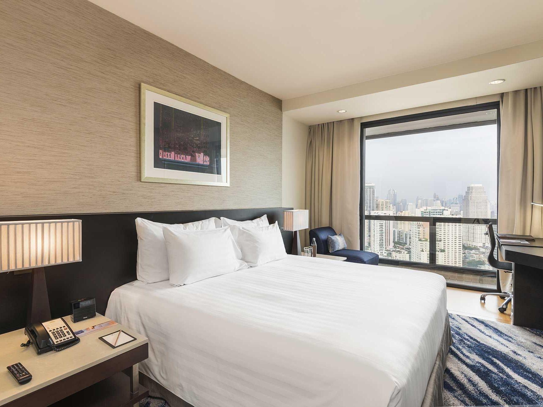 Two bed Grand suite park view at Emporium suites by Chatrium