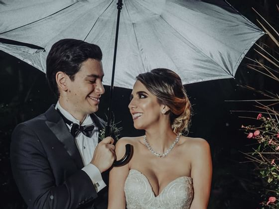Pareja después de la boda