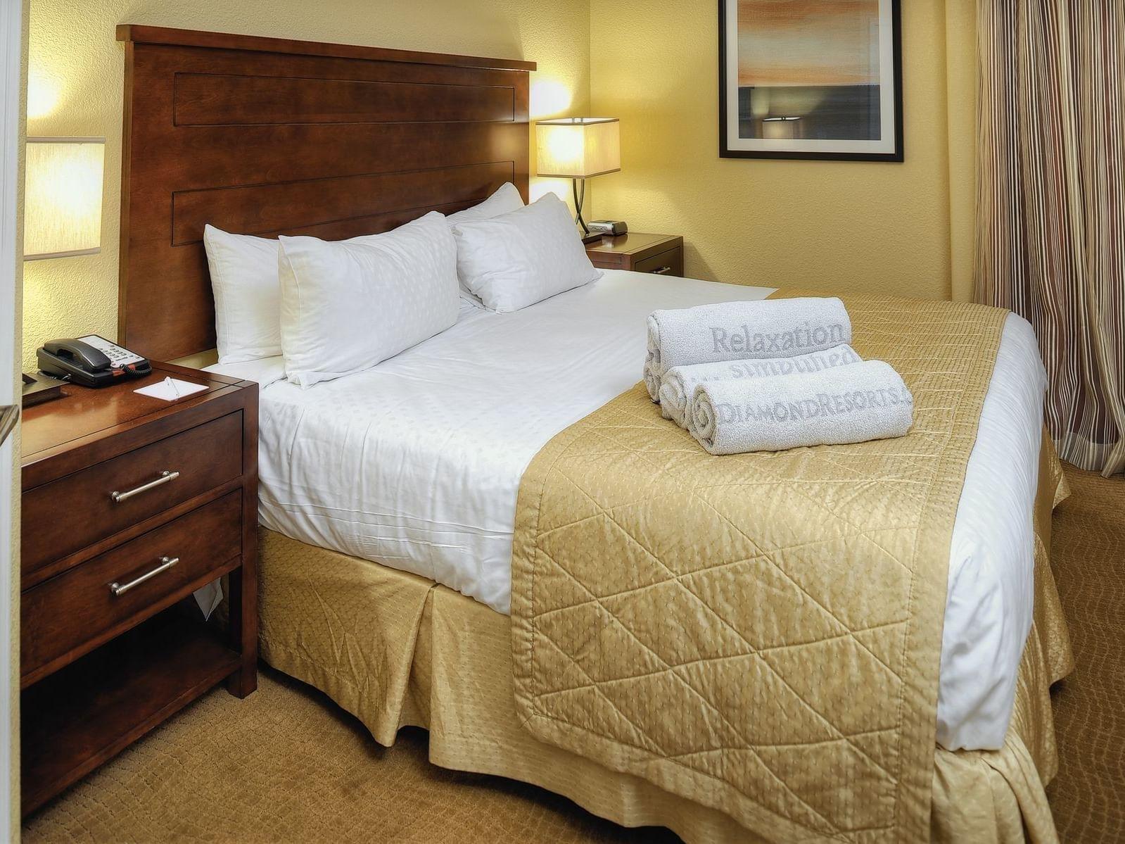 Luxury bed of One Bedroom Suite at Diamond Sedona Portal Hotel