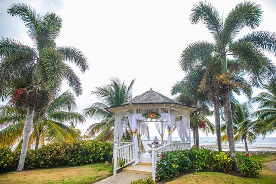 Exterior view of Cupid Gazebo at Holiday Inn Montego Bay