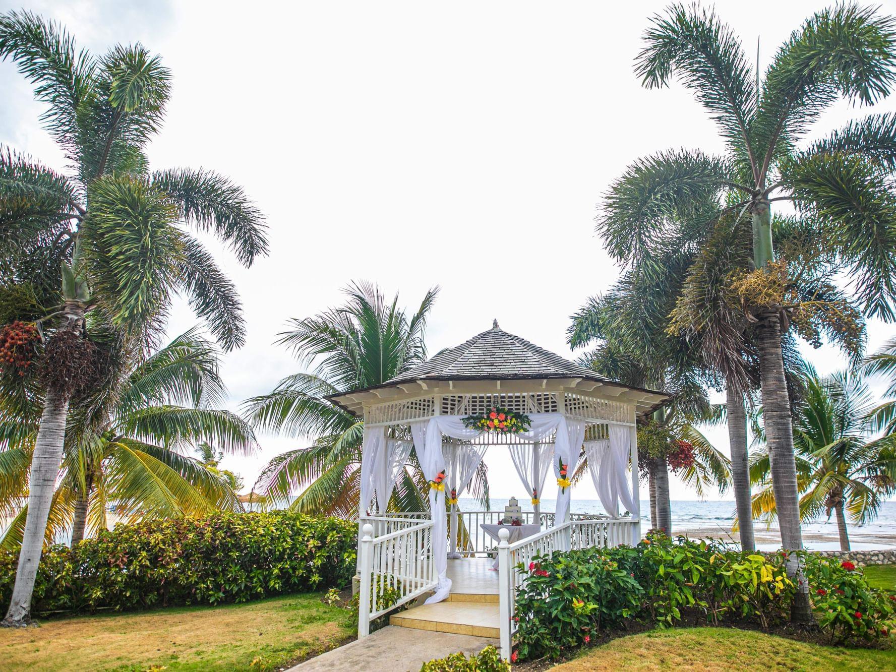 Landscape shot of Cupid Gazebo at Holiday Inn Montego Bay