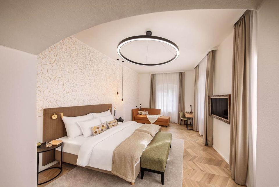 Deluxe Room Sleeping Area at Hotel Old Inn, Český Krumlov