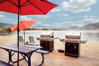 Coast Osoyoos Beach Hotel - Exterior BBQ
