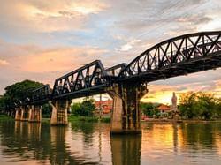 สะพานข้ามแม่น้ำแคว - Hop Inn Kanchanaburi (Budget hotel) - โรงแรมราคาประหยัด โรงแรมฮ็อป อินน์ กาญจนบุรี