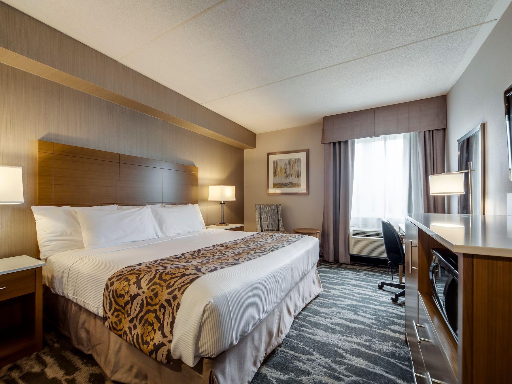 Monte Carlo Inn One Queen Bed
