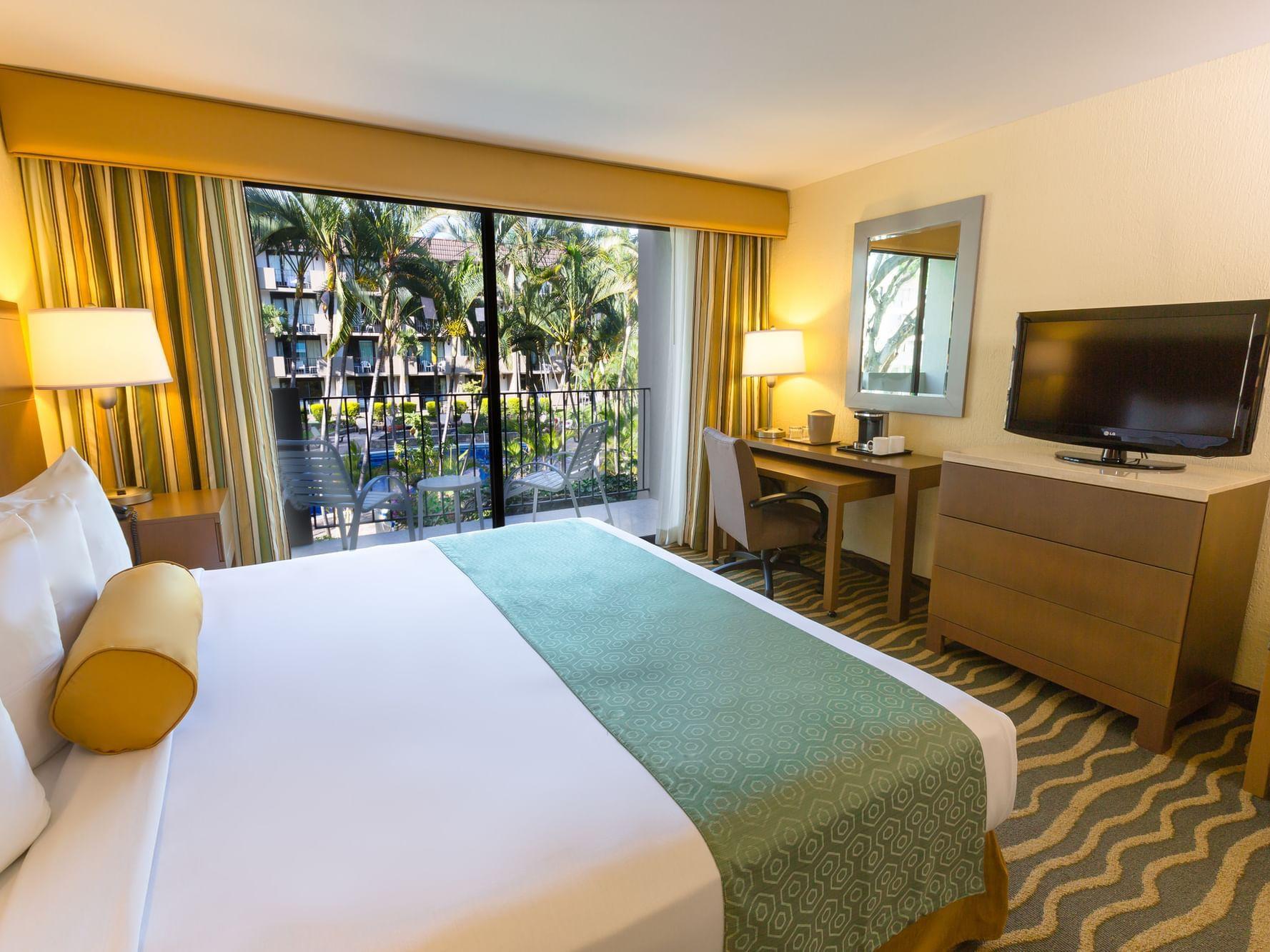 King size bed in Premier Room at Best Western Plus San Jose