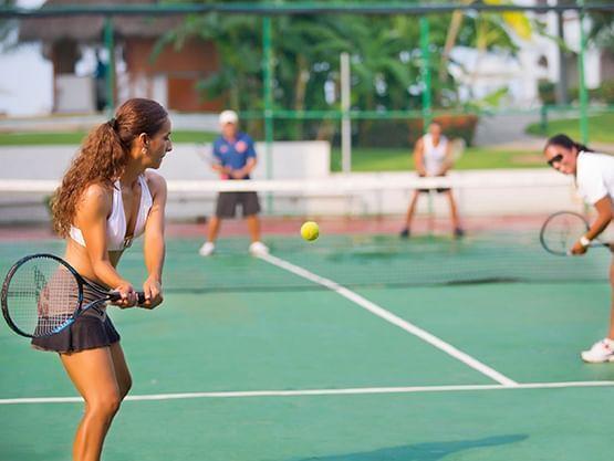 Tennis Courts at Sunset Plaza Beach Resort