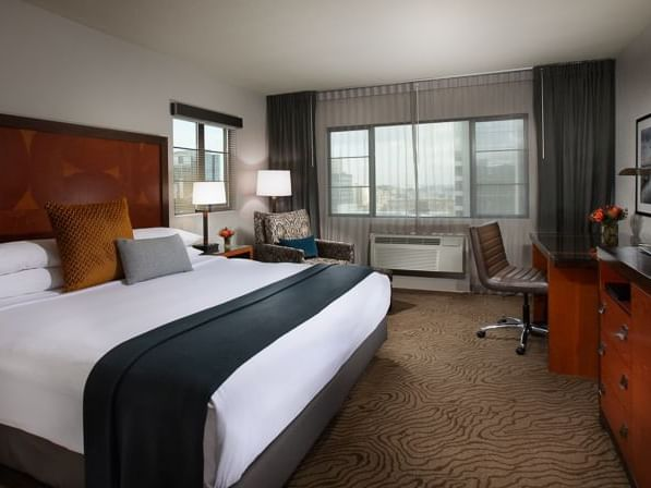Executive King Room with one bed at Paramount Hotel Portland