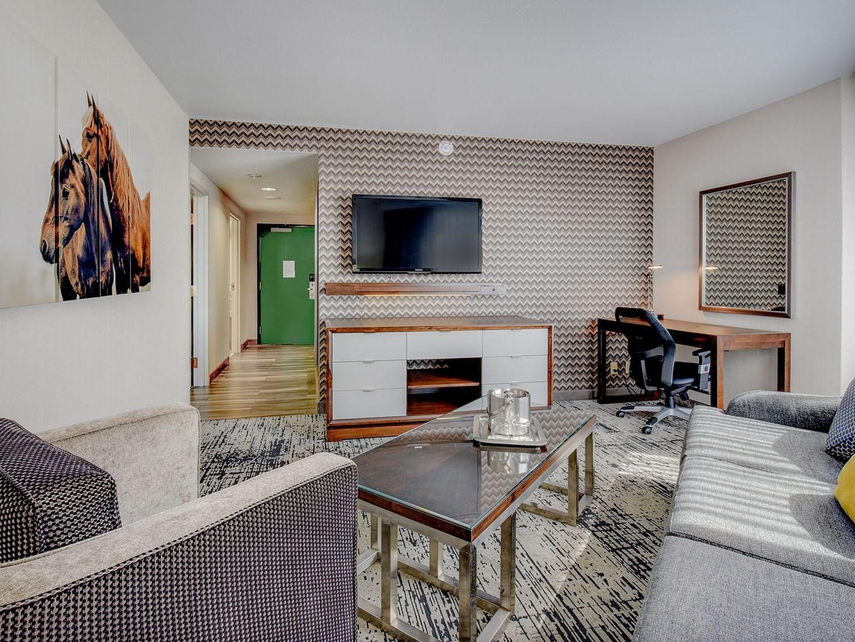 premium suite at grove hotel