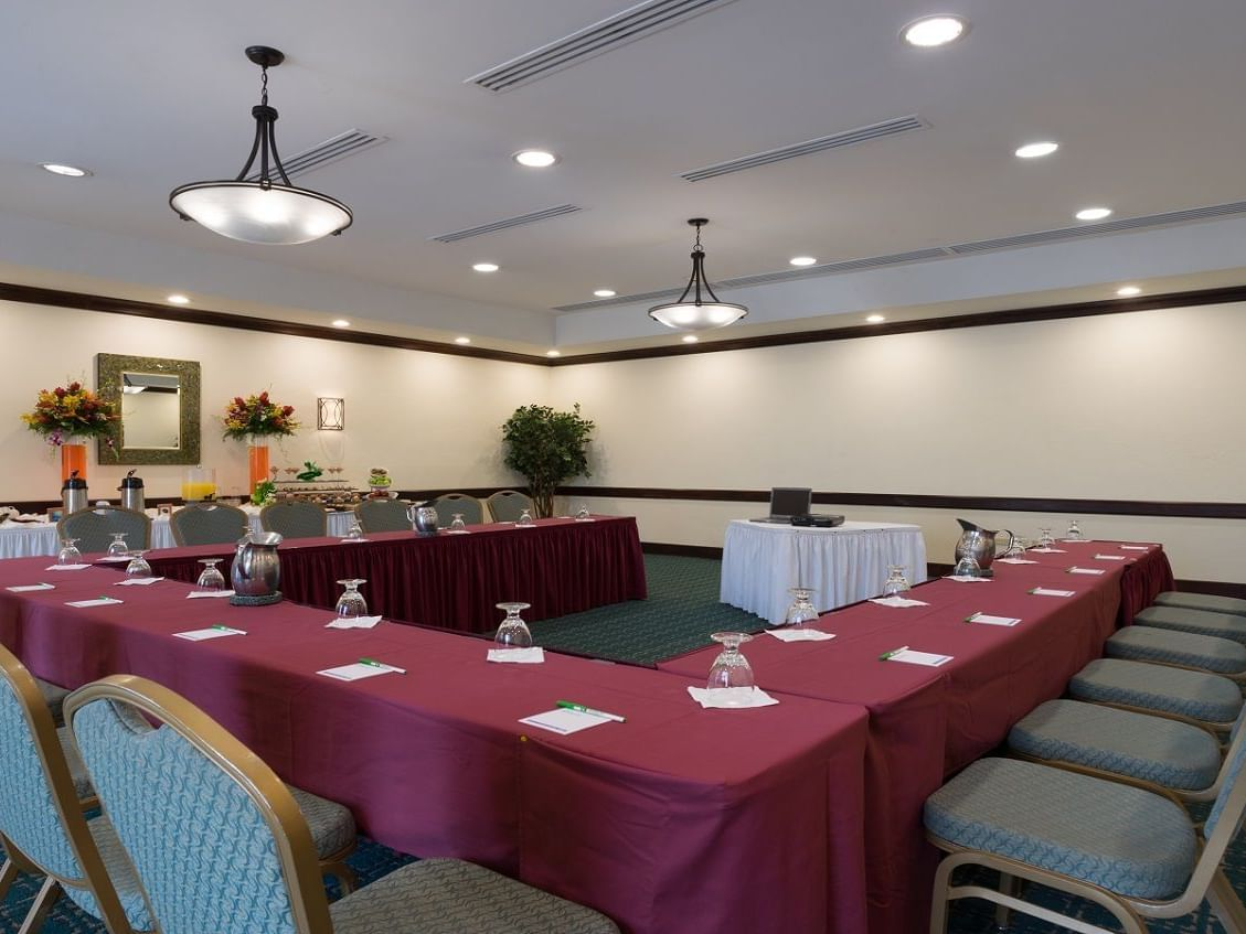 Interior of Oasis Boardroom at Holiday Inn Montego Bay