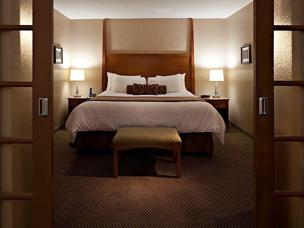 Executive Suite with one bed at Carriage House Hotel