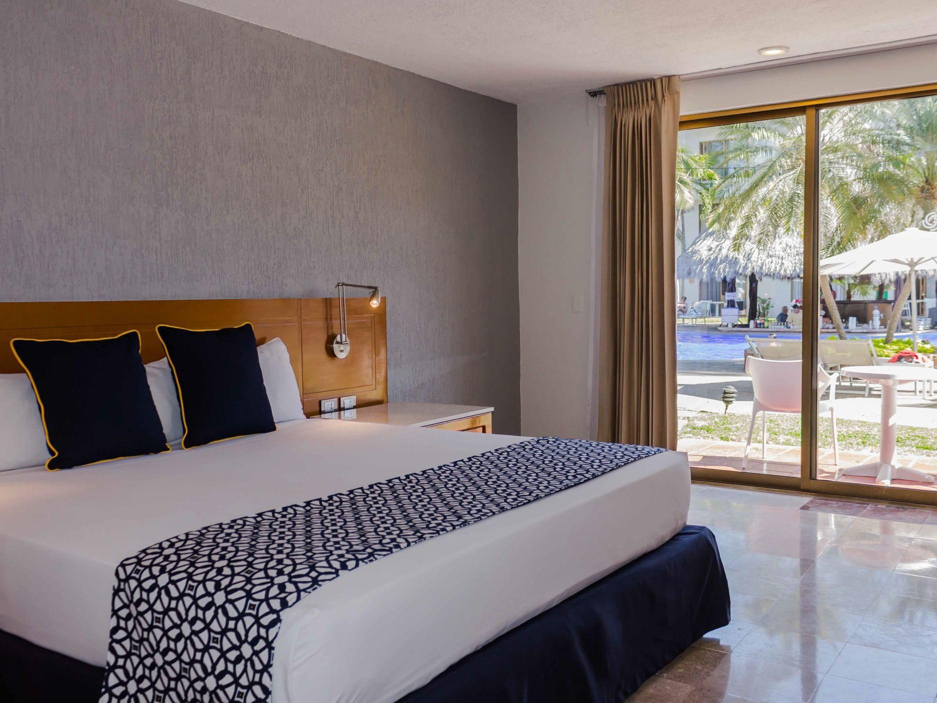 King Room in Plaza Pelicanos Club Beach Resort