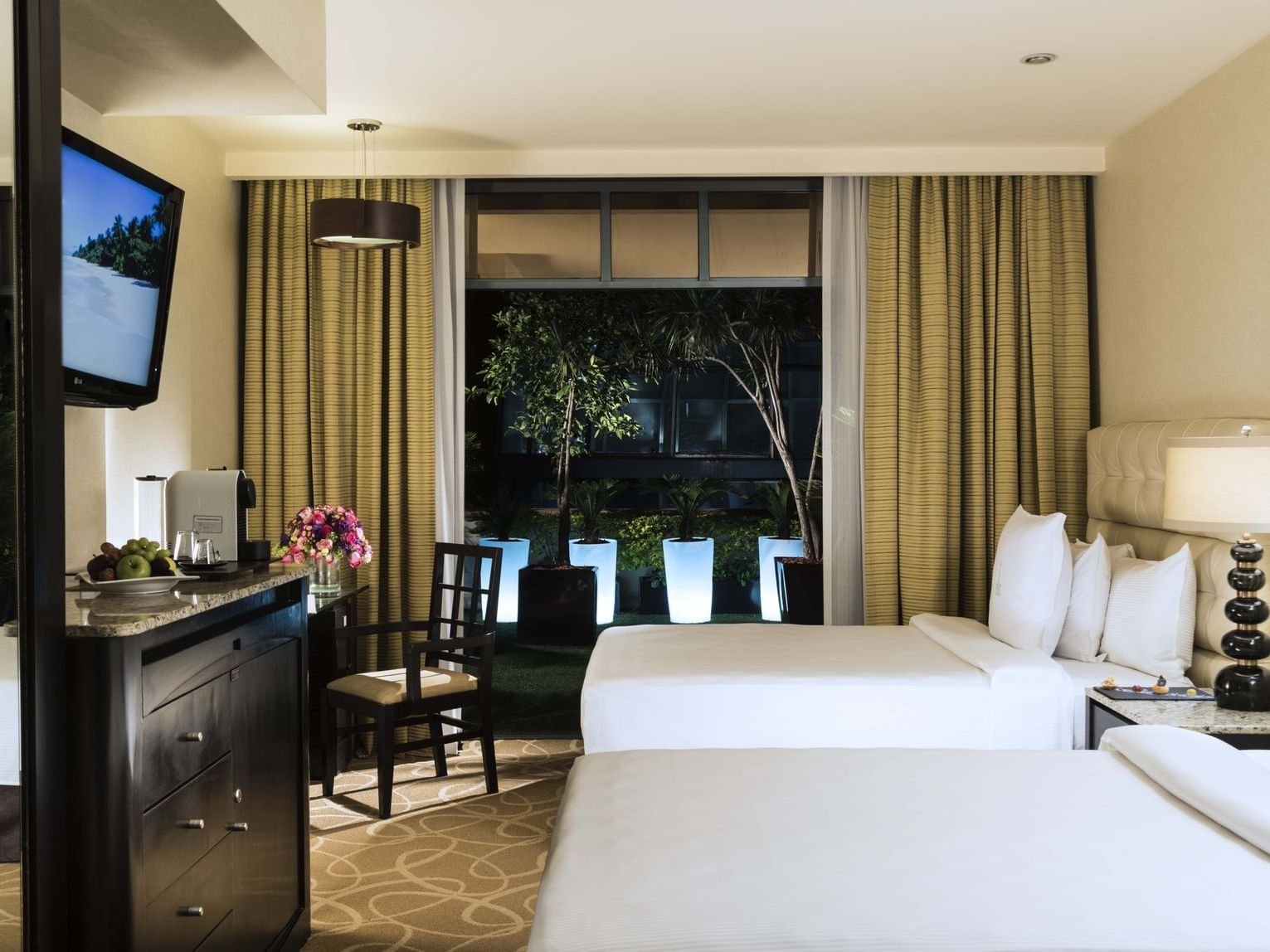 Deluxe Indoor view with double beds at Marquis Reforma
