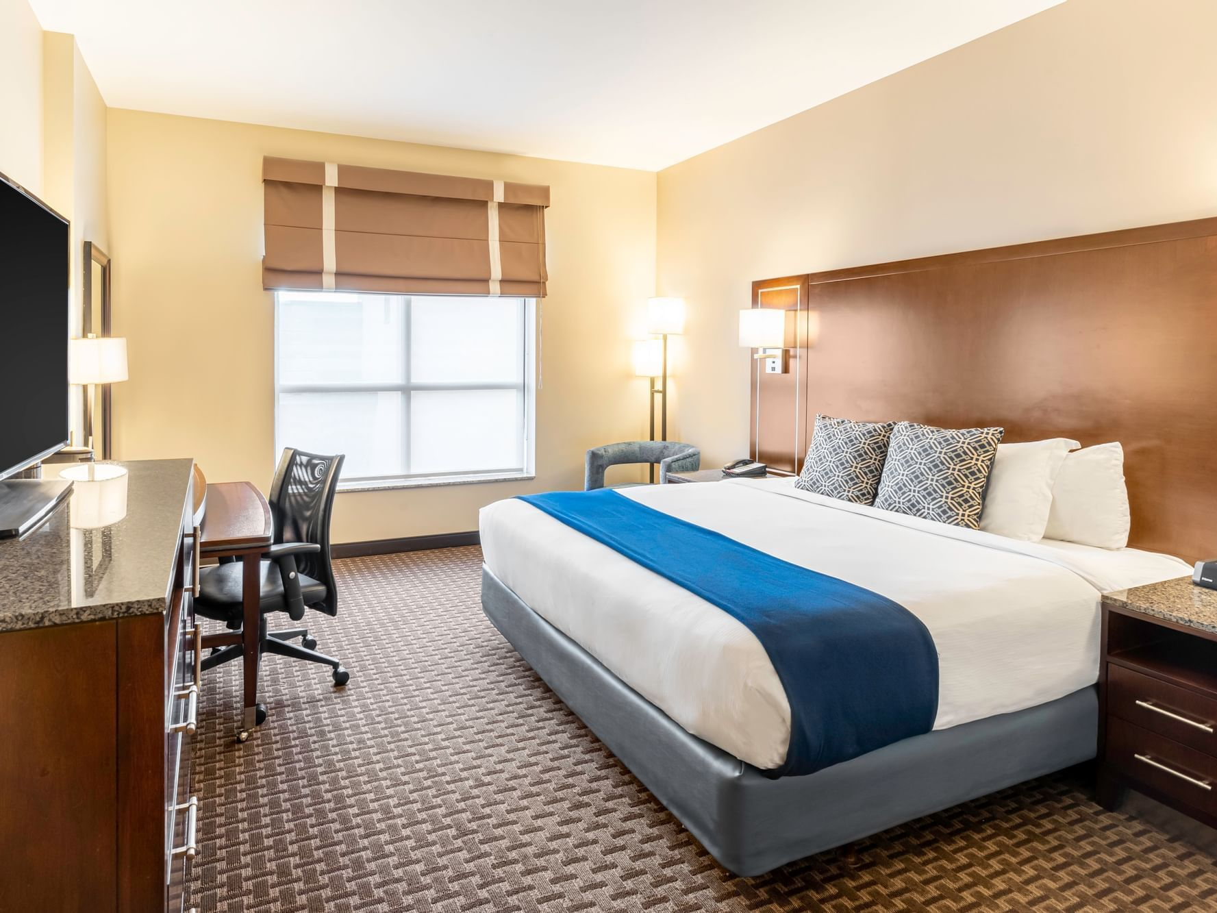 King Guestroom with one bed at New Haven Hotel