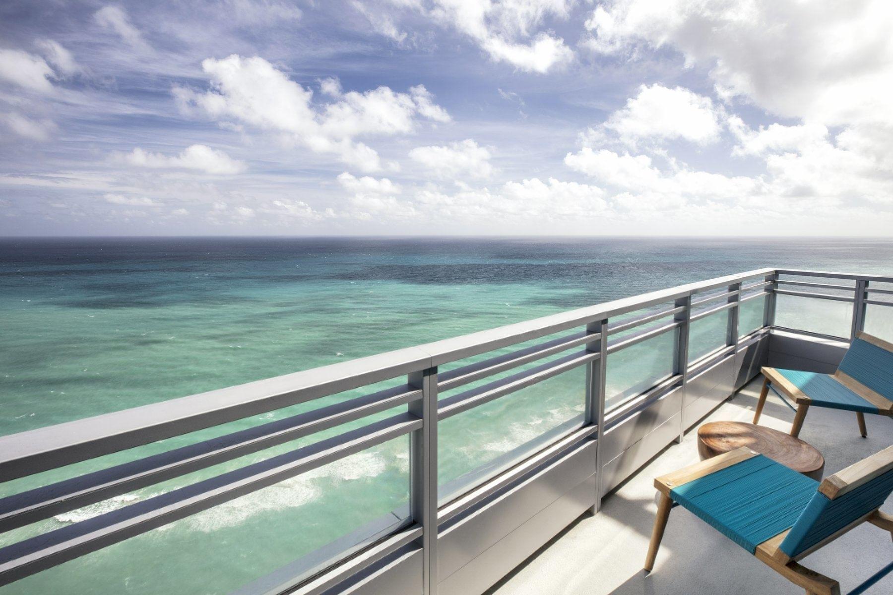 Corner Suite Balcony