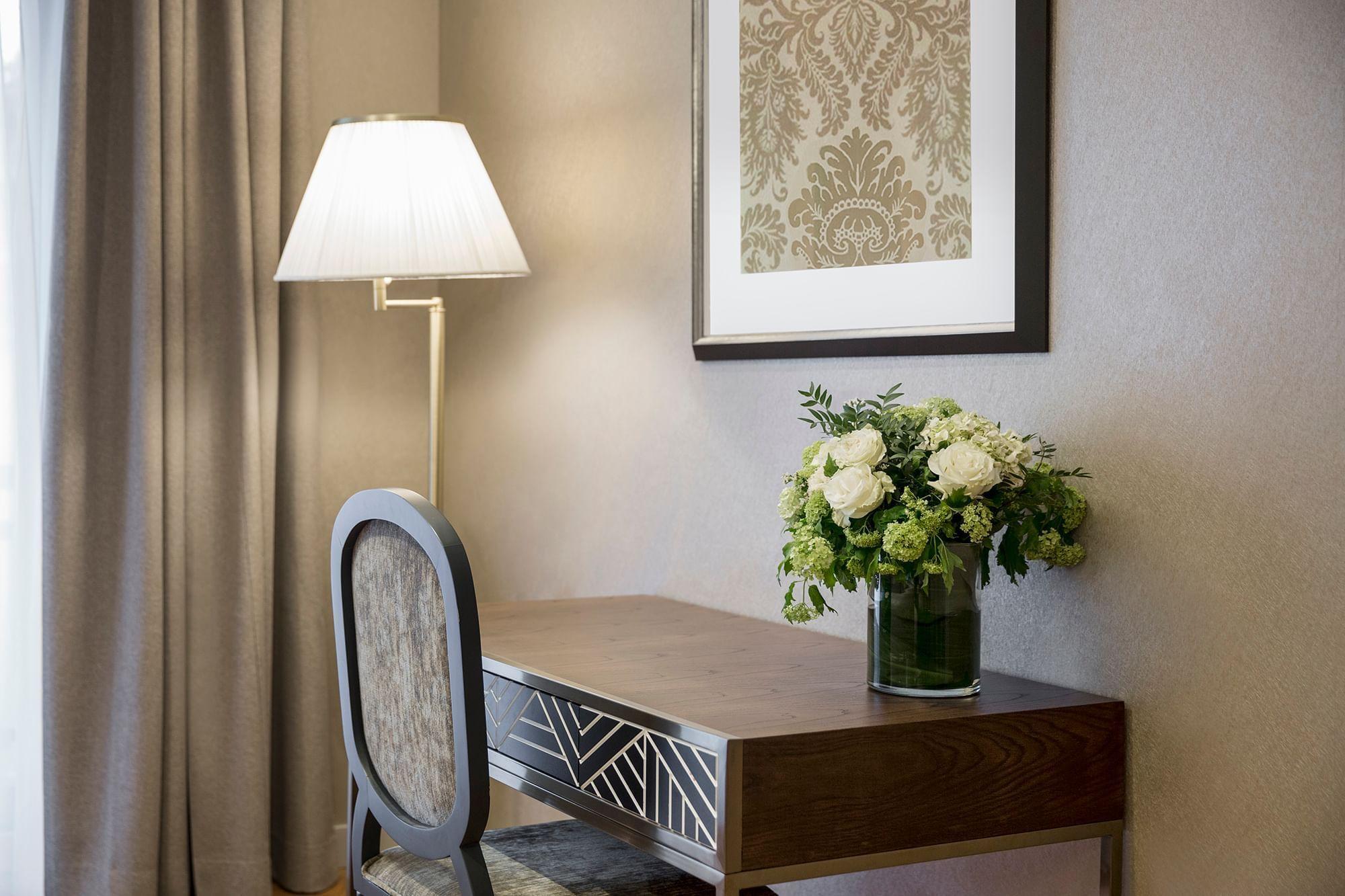 Working desk of Privilege Suite Warwick Reine Astrid Lyon