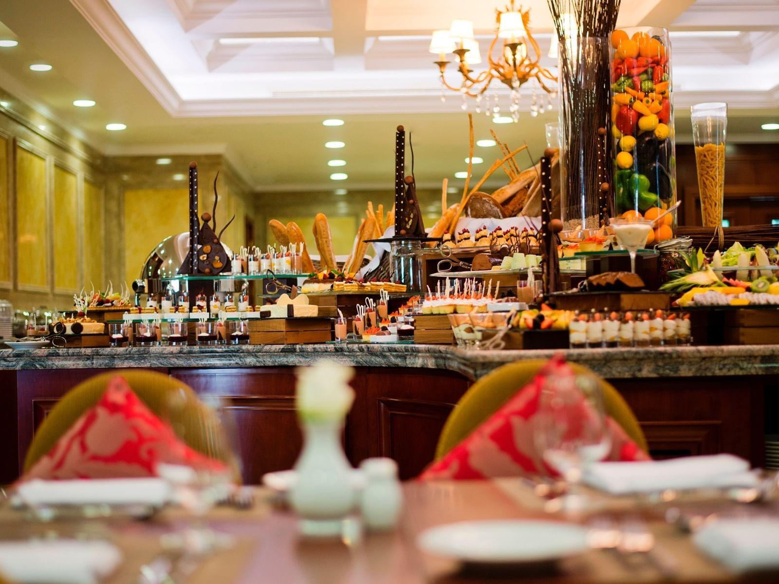 Service et restauration chez Warwick Hotels and Resorts