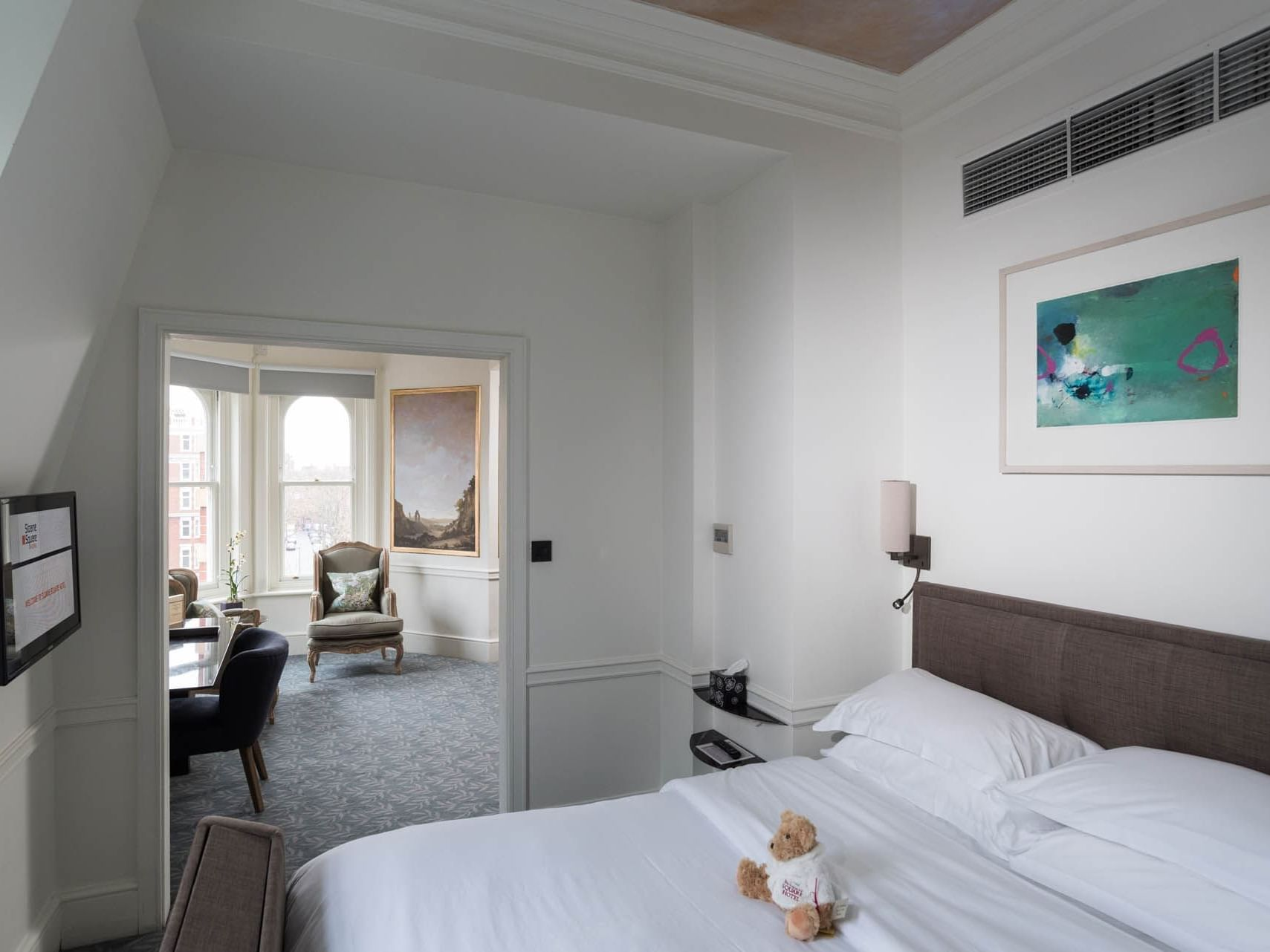 Junior suite with lobby at Sloane Square Hotel