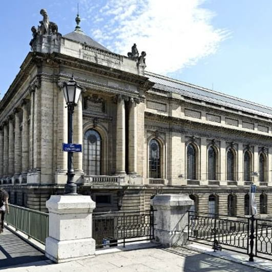 Musee d'Art et d'Histoire - WARWICK CORPORATE