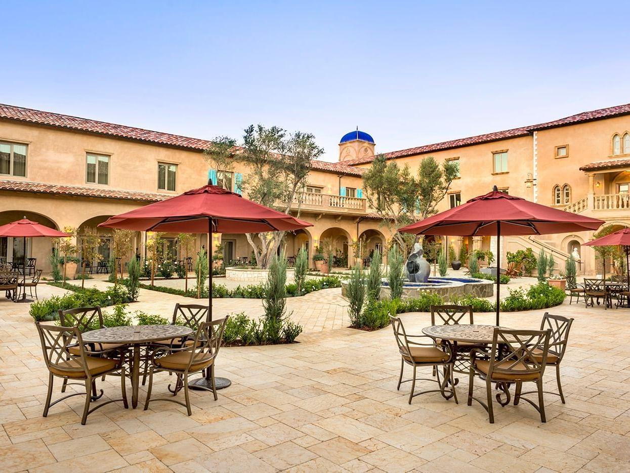 Allegretto Courtyard
