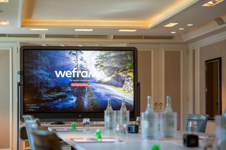 Multimediasystem Weframe im Hotel München Palace