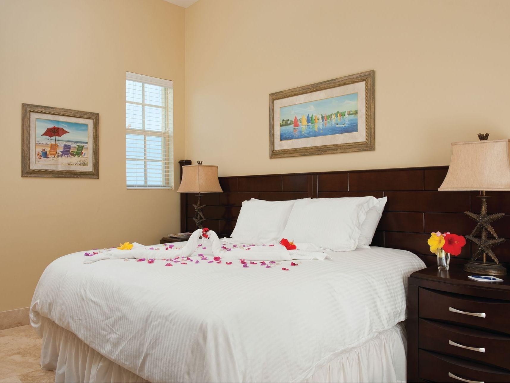 Bedroom of Standard Room at Windsong Resort On The Reef