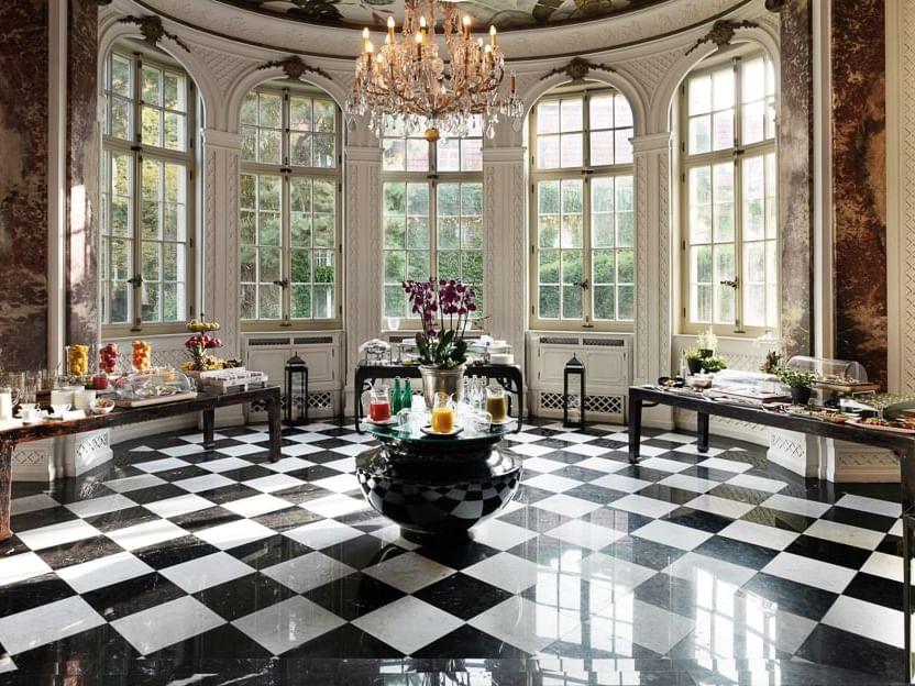 Historical Wintergarten at Patrick Hellman Schlosshotel