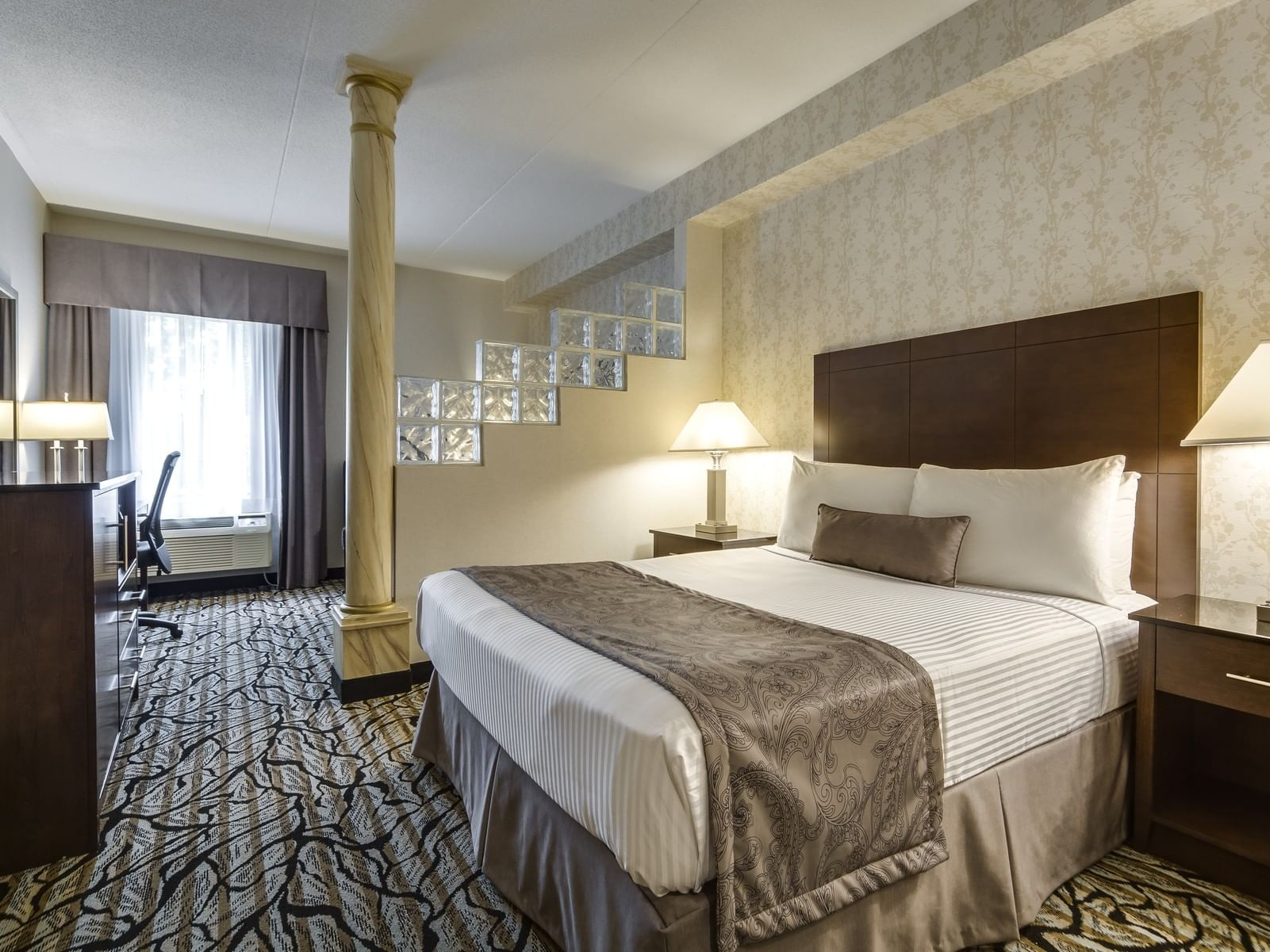 One King Bed - Monte Carlo Inns Oakville Suites