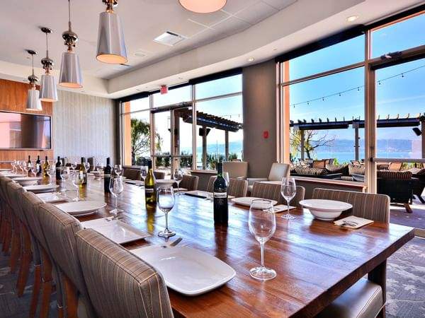 Event room with dining arrangements at Manteo Resort