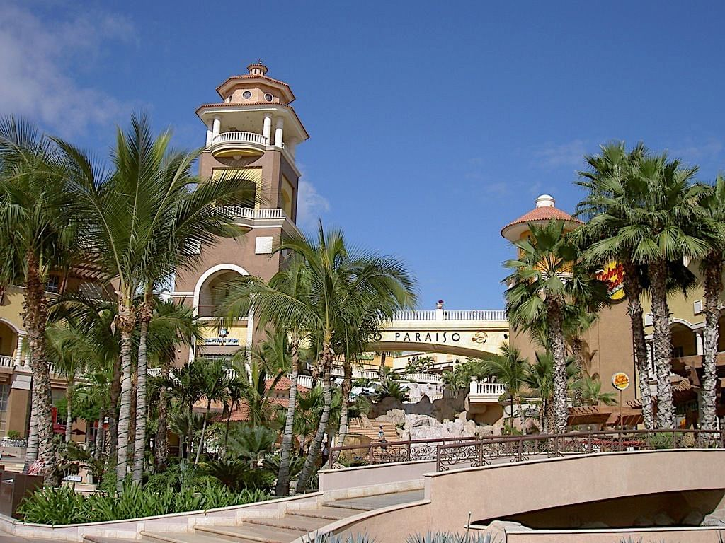 Centro comercial Puerto Paraiso
