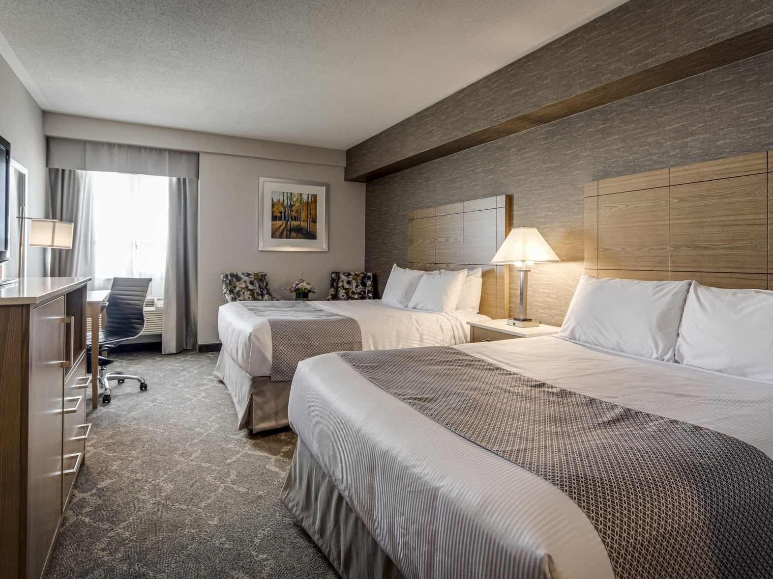 Two Queens Bed at Monte Carlo Inn Vaughan Suites
