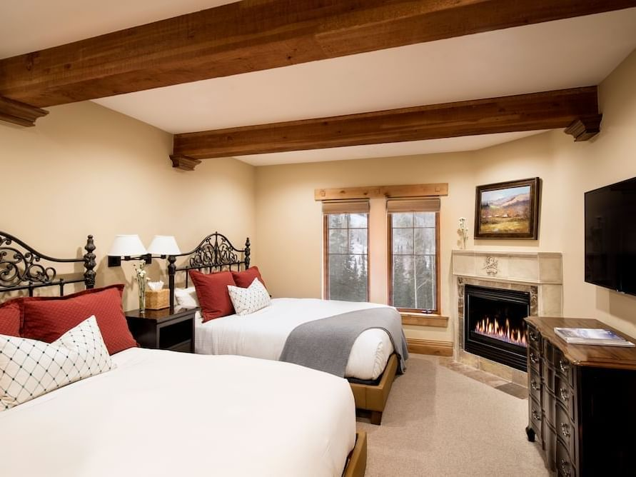 Hotel Rooms with 2 Queen Beds