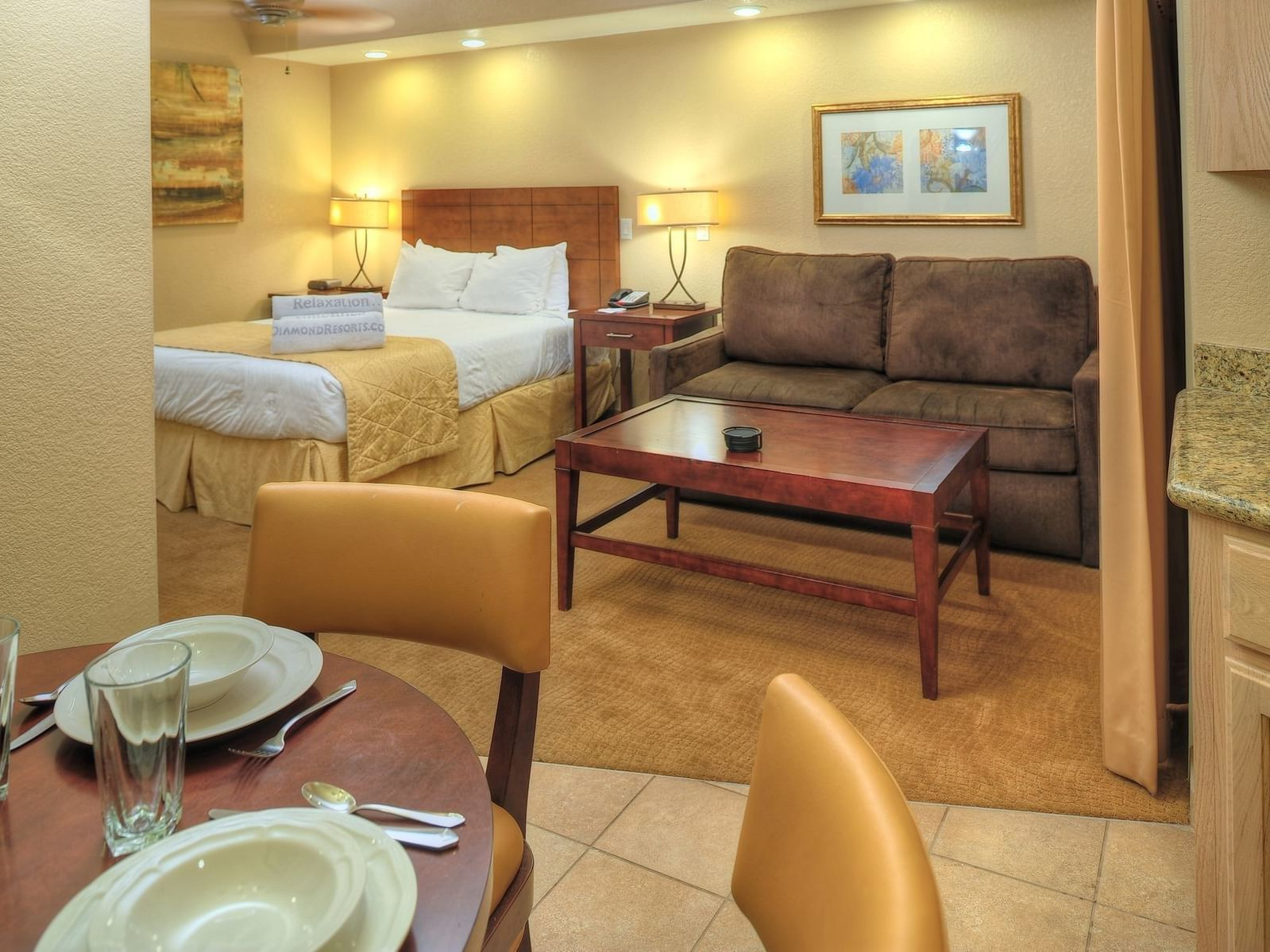 Dining, Sitting and Resting area together of Studio at Diamond Sedona Portal Hotel