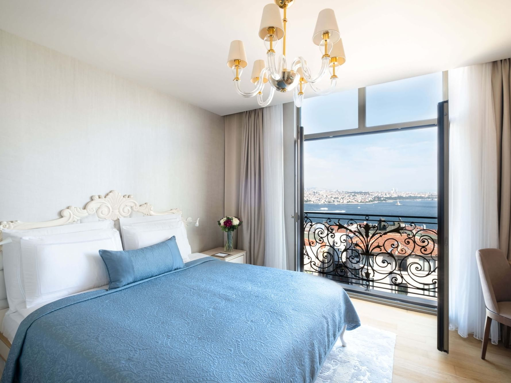 Executive Suite with one bed at CVK Park Bosphorus Hotel