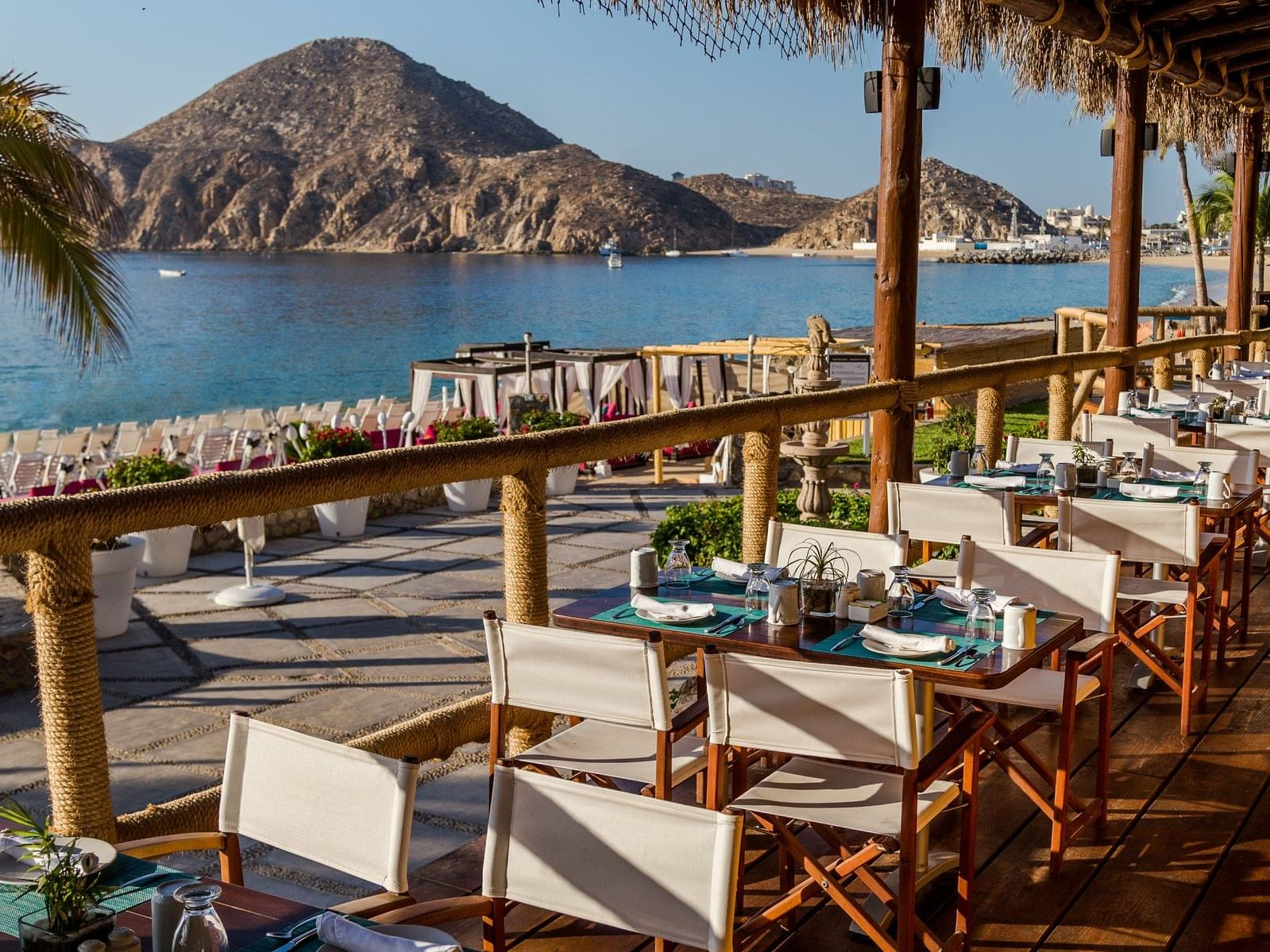 Outdoor seating area at Aleta Restaurant in Cabo Beach Resort