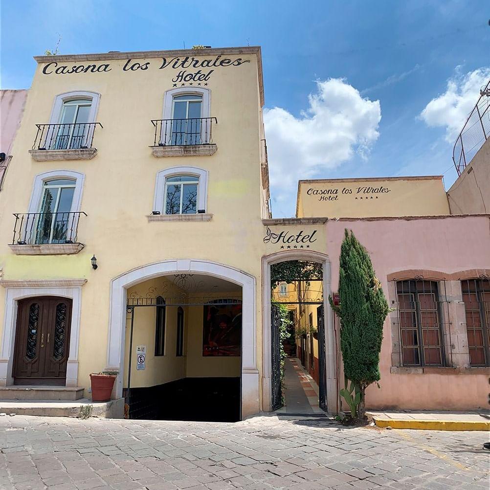Casa de los Vitrales by DOT Tradition