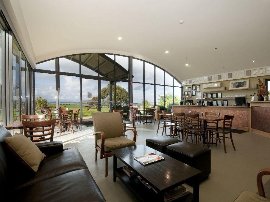 Lounge in Purple Hen Vineyard & Winery near Silverwater Resort