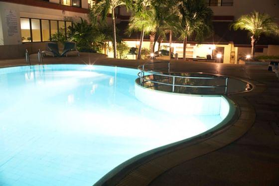 Amora Hotel Chiang Mai Outdoor Pool at night