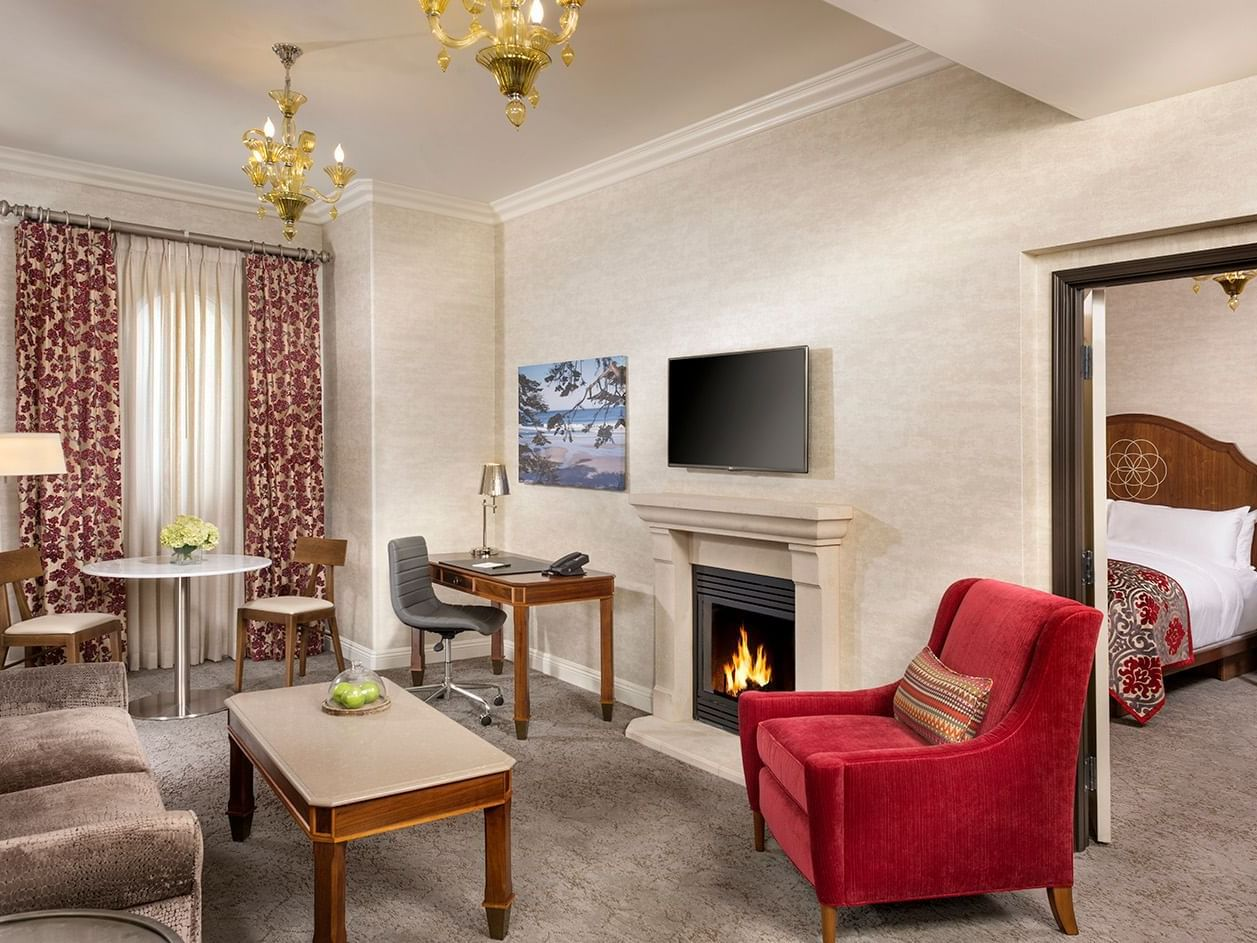 Living room and fireplace of One Bedroom Suite