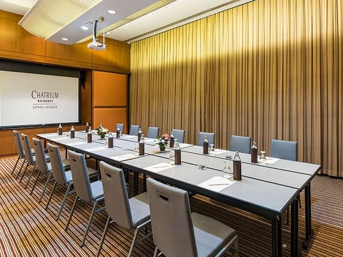 Table setting of Boardroom at Chatrium Residence Sathon