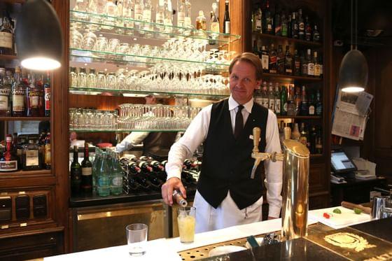 Barkeeper im Hotel München Palace