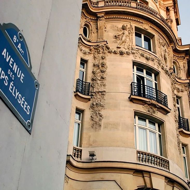 Champs Elysees - WARWICK CORPORATE