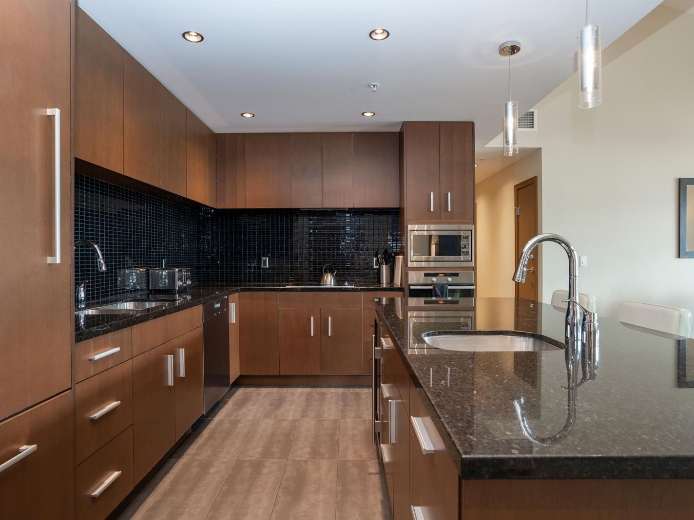 Three Bedroom with Den Penthouse Suite The Sutton Place Hotel Revelstoke Mountain Resort