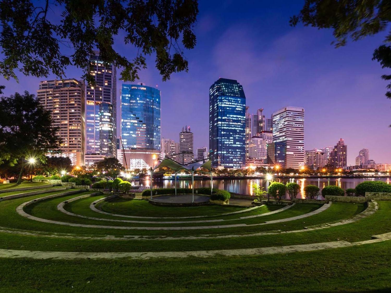 Exterior view of Benjakiti Park near Chatrium Hotel Riverside Bangkok