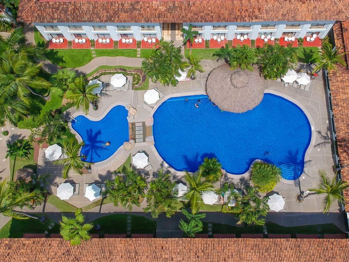 Pool at Plaza Pelicanos Club Beach Resort