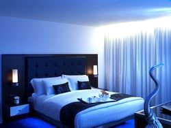 Bronze king bed room with king size bed at Dream Bangkok